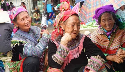 Easy Sapa - Bac Ha Tour | by Shuttle bus from Hanoi