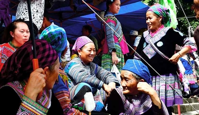 Easy Sapa - Bac Ha Tour | by private car from Hanoi