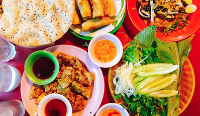 Danang Street Food Tour ( Group tour)