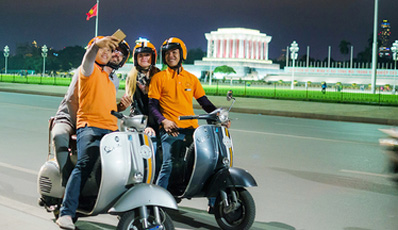 Vespa Tour Hanoi after dark