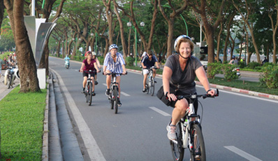 Hanoi half day biking tour